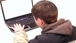 Cha mẹ phải áp dụng ngay biện pháp này để con an toàn trên mạng