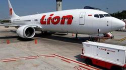 Khi Boeing 737 MAX chúc mũi xuống, phi công đã cuống cuồng làm những gì?