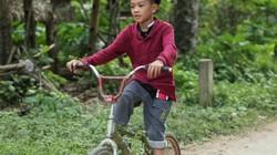 """Cậu bé đạp xe 100km thăm em: """"Cái lý của tình thương"""""""