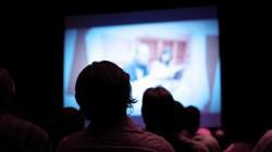 Giáo viên Mỹ vô tình phát phim khiêu dâm trong giờ học lịch sử