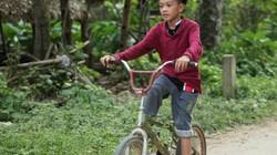 Thứ 7 với Phan Đăng: Cậu bé đạp xe 100km thăm em và quyền lựa chọn con đường