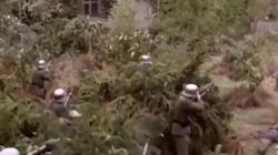 """""""Bó tay"""" trước những cảnh bắn súng không tưởng trong phim hành động"""