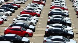 """Bất ngờ tăng tốc, ô tô nhập khẩu """"đánh đố"""" những dự báo"""