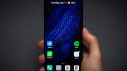 Vướng lệnh cấm, Huawei khó lòng bứt phá trong năm 2020