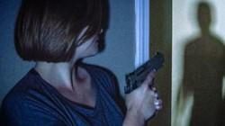 """Tưởng kẻ trộm đột nhập vào nhà, cặp vợ chồng gọi cảnh sát và nhận cái kết """"ngã ngửa"""""""