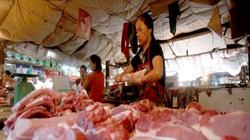 Giá thịt lợn: bình ổn trong siêu thị, bất ổn chợ dân sinh