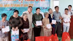 Nhiều phần quà, vật dụng, đồ dùng Tết đến ngư dân Ninh Hòa