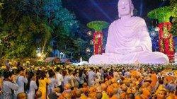 Hơn 4 vạn người về tham dự đại lễ Phật thành đạo tại Vũng Tàu