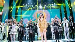 Nữ hoàng Bolero liên tục nghẹn ngào, khóc trước 4.000 khán giả