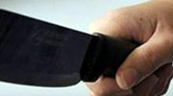 Con trai dùng dao chém chết mẹ già 81 tuổi