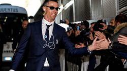 Siêu sao Cristiano Ronaldo tài sản 450 triệu USD, vẫn xài iPod giá 25 USD