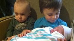 Phản ứng đáng yêu của các nhóc tỳ lần đầu gặp trẻ sơ sinh
