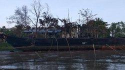 Đang đón khách, tàu du lịch tiền tỷ bất ngờ bùng cháy sau tiếng nổ lớn
