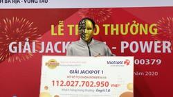"""""""Đại gia"""" Bình Dương thức thâu đêm chọn số, trúng jackpot 111 tỉ"""