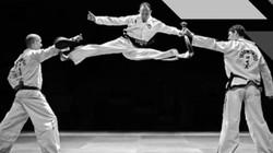 Mãn nhãn với những cú đá đẹp và khó nhất của Taekwondo