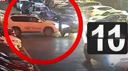 Gái trẻ lái ô tô bị chặn đầu, điên tiết đâm 11 lần húc bay xe đối thủ