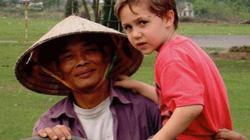Bất ngờ cuộc hội ngộ sau 15 năm của du khách nước ngoài và người đàn ông chăn trâu ở Ninh Bình