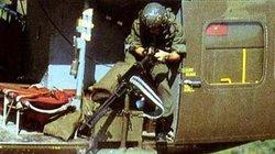 """Điểm """"cận kề cái chết"""" trên trực thăng UH-1 của Mỹ khi tham chiến ở Việt Nam"""