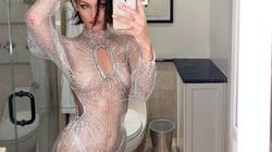 Hot girl Hollywood mê váy lưới xuyên thấu
