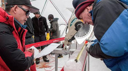 Đào sâu dưới băng, tìm thấy hàng loạt virus cổ 15.000 năm tuổi chưa từng biết đến