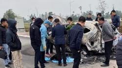 Người đàn ông chết cháy trong ô tô đậu giữa bãi đất trống