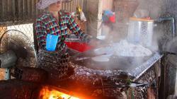 """Đặc sản Tết Canh Tý: Bún số 8, bánh tráng dừa... """"cháy"""" hàng!"""
