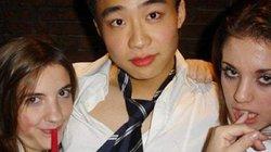 Cậu ấm con quan to Trung Quốc ăn chơi trác táng, muốn gì là có ngay lập tức