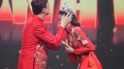 Khánh Vân mang vương miện tiền tỉ lên sân khấu, mời Chí Tài về quê ăn Tết