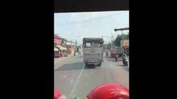 Cứu hỏa phát loa khản giọng, tài xế xe tải quyết không nhường đường