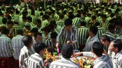 Bữa cơm tất niên nghẹn ngào trong trại giam ngày giáp Tết