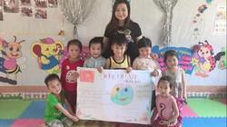Cô giáo xinh đẹp bán nông sản mang Tết về với trẻ nghèo