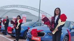 """Công ty """"chơi lớn"""", nhân viên xuất sắc nhận xe sang, nhà đẹp cuối năm"""