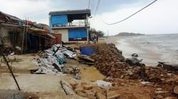 """Bình Định chi 99 tỷ xây lại kè biển """"nát vụn"""" uy hiếp 100 nhà dân"""
