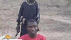 Kinh hoàng IS tung videochiến binh nhí hành quyết con tin