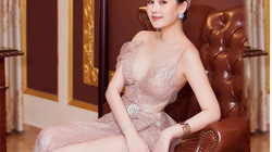 Giao thừa: Lê Âu Ngân Anh úp mở tìm bạn trai, H'Hen Niê chưa vội lấy chồng