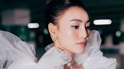 """Ninh Dương Lan Ngọc """"hăm dọa"""" đạo diễn, đòi đổi tên MV vì bị chậm trả cát-xê"""