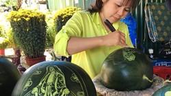 """""""Làm đẹp"""" dưa hấu bày mâm ngũ quả ở Nha Trang, bán đắt hàng"""