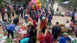Chợ phiên ngày 30 Tết: Đông nghịt người, toàn bán sản vật núi rừng