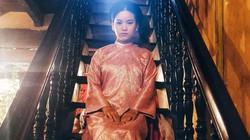 Mặc áo dài Tết, thiếu nữ bỗng được ví như mỹ nhân thời trước