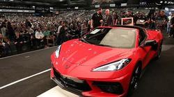Siêu xe 'bình dân' Chevrolet Corvette C8 đầu tiên được bán với giá gần 70 tỷ đồng