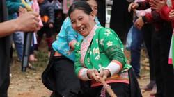 Clip: Lên Cửa Rừng xem thiếu nữ Mông vung chày giã bánh dày
