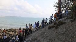 Biển rẽ đôi để lộ con đường bí ẩn lên đảo viếng Thủy Long thần nữ