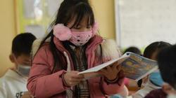 Học sinh Hà Nội vừa học vừa đeo khẩu trang phòng chống virus corona