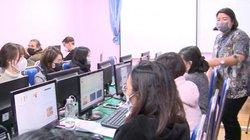 Nghỉ học vì virus corona, nhiều trường tổ chức dạy trực tuyến