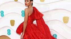 Người dẫn lễ trao giải BAFTA 2020 mặc thiết kế của Trần Hùng