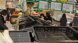 Các gia đình tích sốt sắng tích trữ thực phẩm trong mùa dịch Corona