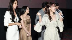 """Ninh Dương Lan Ngọc và dàn diễn viên """"Gái già lắm chiêu 3"""" vào rạp phim tặng vàng cho khán giả"""