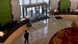 Giữa tâm dịch Vũ Hán, khách sạn vốn đông đúc nay hoang vắng rợn người