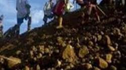 Cận cảnh nghề khai thác đá quý bất chấp hiểm nguy tại Myanmar