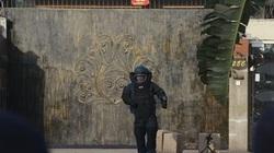 Giữa tâm dịch corona: Sốc 3 thùng carton bí ẩn bên ngoài lãnh sự quán Trung Quốc ở Malaysia